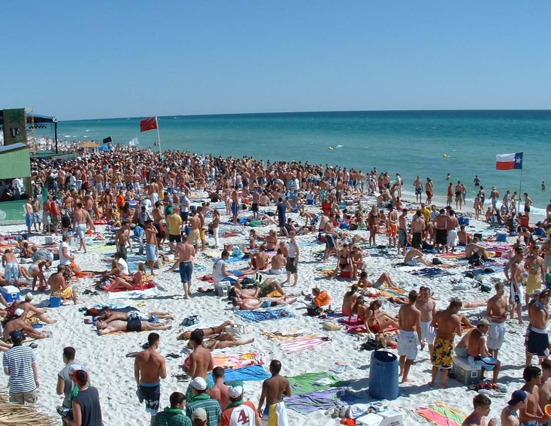 CMG Media Agency crowd-beach